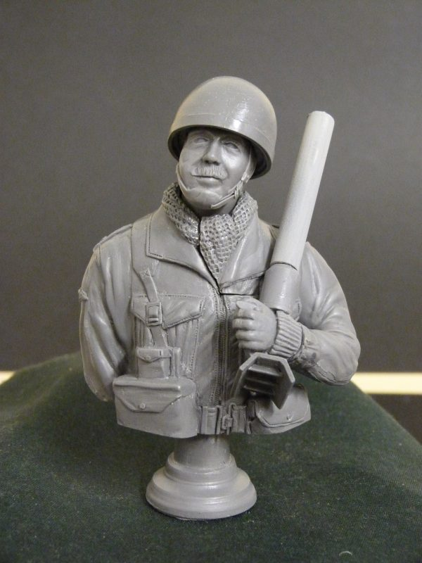 With steel helmet, without the red beret